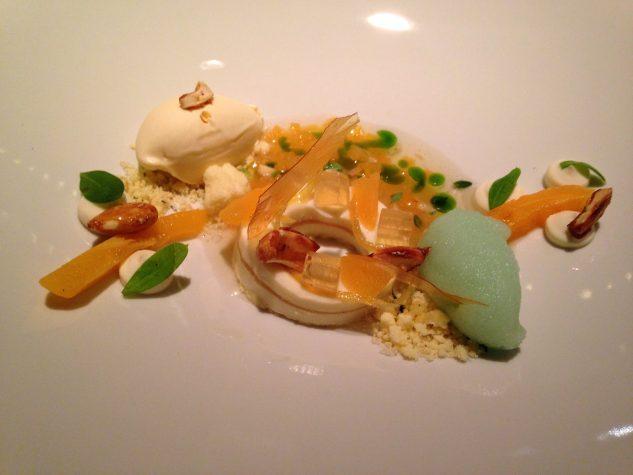 Waldmeister und Mispel / Gestockte Mandelmilch / Buttereis / Zitrone