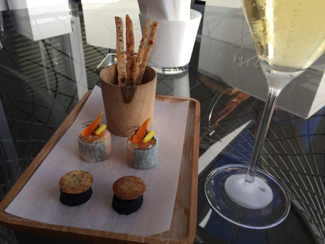 Vega sushi / truffle cake / curry crackers