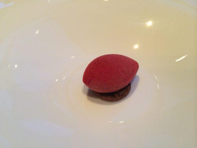 Pré-Dessert: Manjari-Schokolade und Roquefort