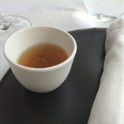 Enten-Tee mit Five Spice-Öl