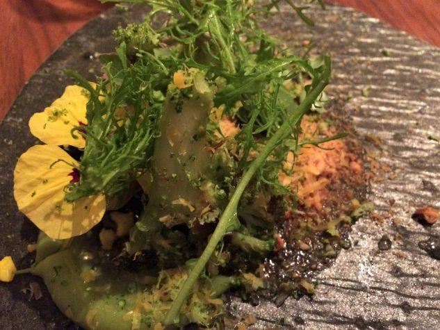 Broccoli / Nussbutter / Sauerklee / Mimolette