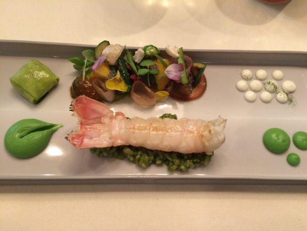 Langoustine mit Rauch, gegrilltes Gemüse & Ricotta, Bulgur