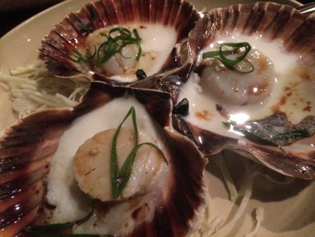 With egg white steamed scallops