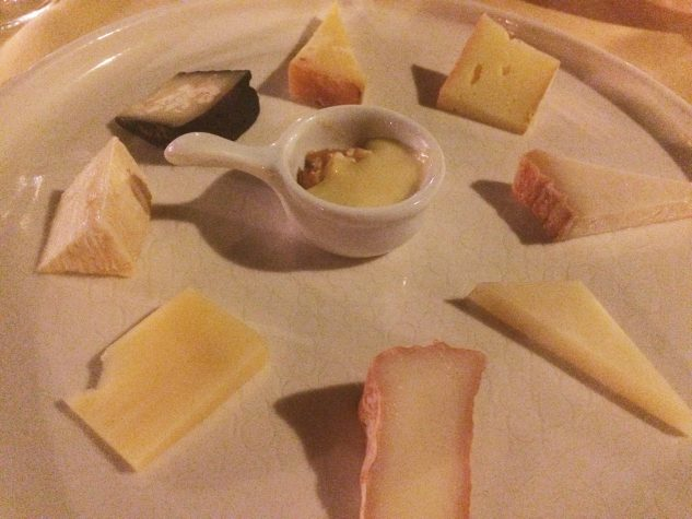 Käse • Apfelnussbrot