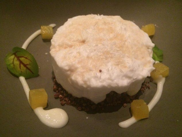 Pina Colada: Ananaseis, Kokosluft & Schokoladenerde, Pyrat Rum