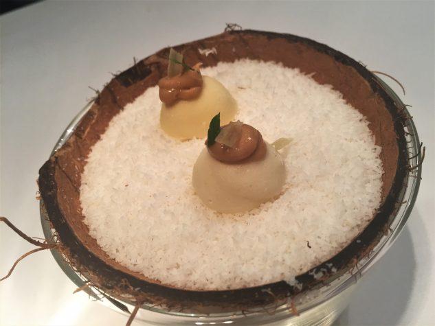 Refresher: Yuzu(?)sorbet, weiße Schokolade, Erdnussbutter