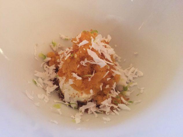 Pré-Dessert: Passionsfruchtsorbet, Kokosnuss, Pandanschaum