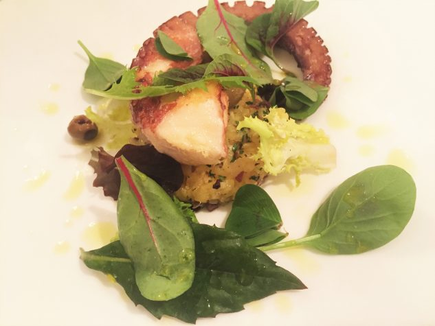 Oktopussalat mit Kartoffel-Oliventatar