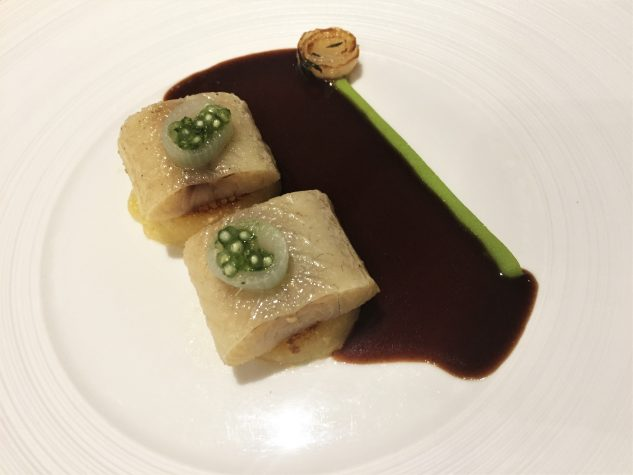 Hausgeräucherter Aal, Büwespätzle mit Rotweinsauce
