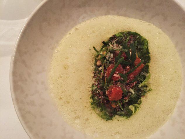 Bouchot Muscheln & Ochsenschwanz / Romana Salat, grüner Curry, Paprika-Lardocreme, Pecorino Riserva