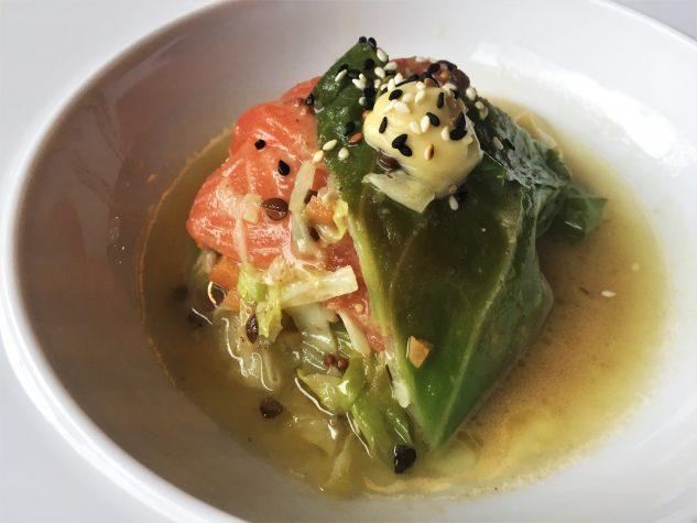 Spitzkohl / Sashimi von der Meerlachsforelle / Linsen