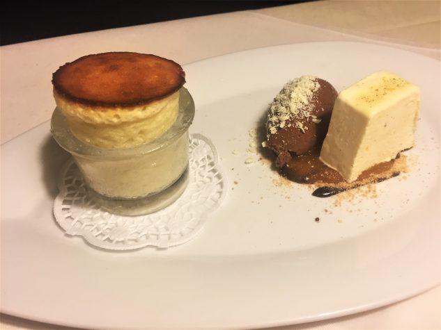 Vanille-Topfen-Soufflé mit Bitterschokolade / Yuzu / Grand Marnier Parfait