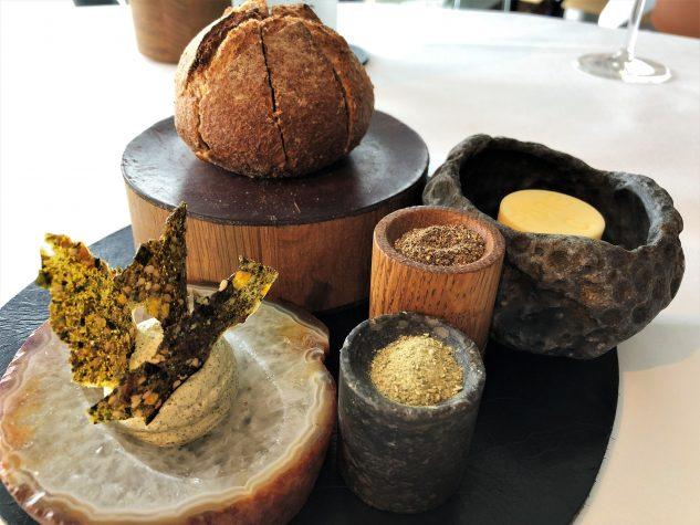 Brot, Algen- und Salzbutter