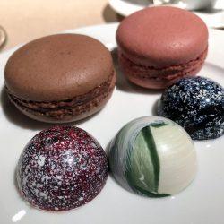 Auswahl & Macarons
