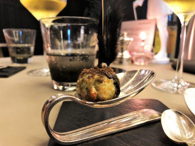 Amuse Bouche: Kebap-Praline vom Geflügel mit Garam Masala