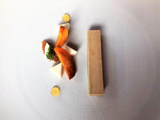 Foie Gras von der Ente mit Aprikose und Mandelmilch-Panna Cotta