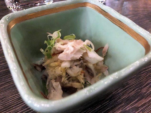 Amuse Bouche: Geräucherte Makrele, Yuzu