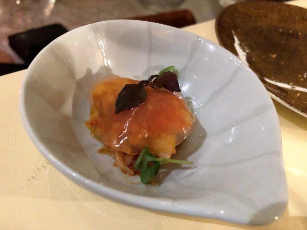 Taschenkrebssalat mit rosa Grapefruit