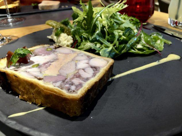 Pastete mit vier Fleischsorten und Foie Gras