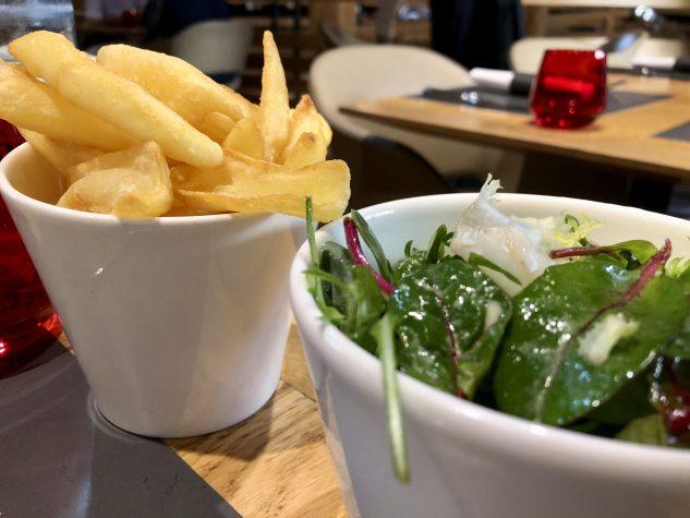 ...Fritten & Salat