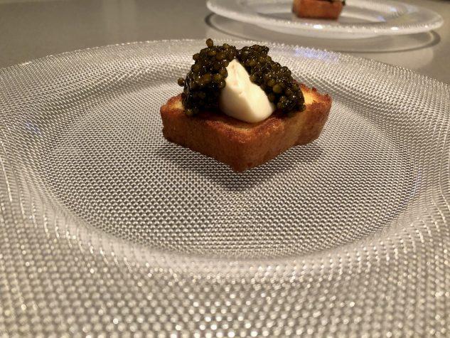 Kaviar - Brioche - Veilchen