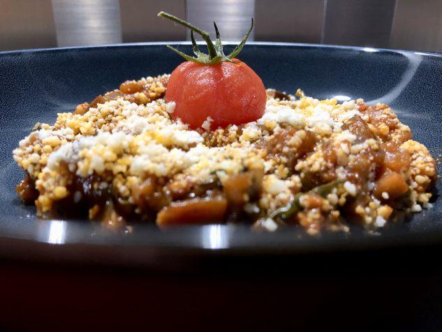 Auberginenragout mit Basilikum und Parmigiano Reggiano