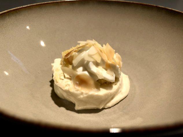 Crème Catalane mit mallorquinischem Mandelbiskuit