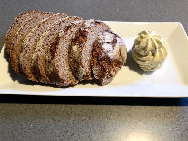 Brot & Lavendelbutter