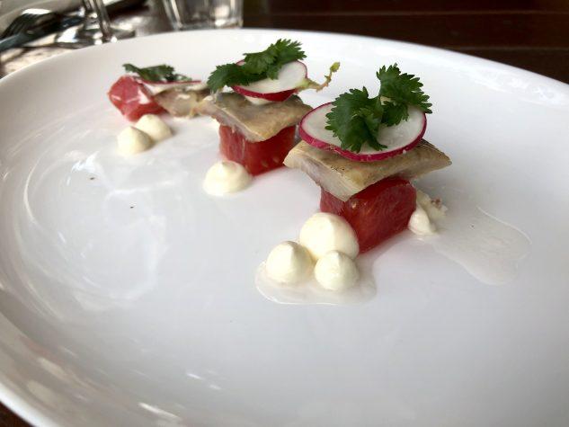 Gourmet Matjes mit Gin Tonic-Wassermelone und Crème fraîche