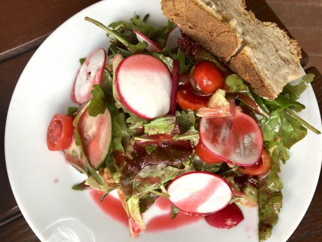 ...und kleinem Salat