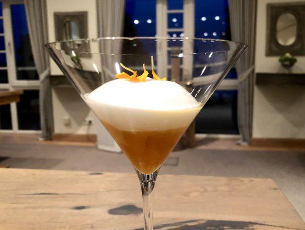 Pré-Dessert: Aprikose & Champagner